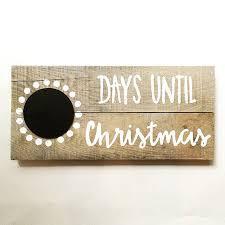 Barn Board Christmas Decorations by Best 25 Reclaimed Wood Signs Ideas On Pinterest Barn Board