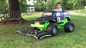 the first grave digger monster truck grave digger power wheels monster truck action 12 volt youtube