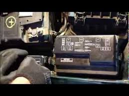 toyota corolla fuse box location how to replace fuses and fix headlight fuse error toyota corolla