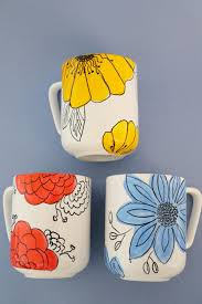 Peacock Mug Customize Coffee Mugs With Hand Drawn Flowers Hgtv Floral