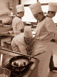 bac pro cuisine lyon onisep cuisine les lves au travail dans les cuisines de