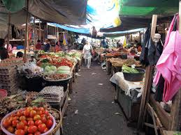 traditional market in ampenan lombok indonesia places to see