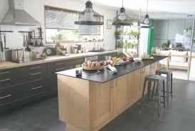 cuisine avec ilot central et table ilot central de cuisine am nagement cuisine ouverte avec ilot