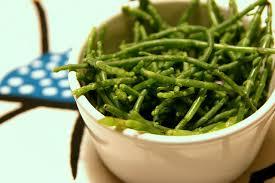 cuisiner la salicorne recette salicornes sautées à la poêle à l ail persil