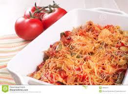 cocotte terre cuite cocotte en terre cuite au four de viande et de légumes avec du