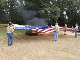 How To Dispose Of An American Flag When Torn Scouts Veterans Retire Old Flags Texarkana Breaking News