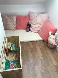 coin lecture chambre coin lecture pour une chambre d enfant methode montessori