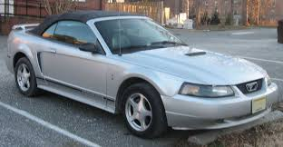 04 convertible mustang file 99 04 ford mustang convertible jpg wikimedia commons
