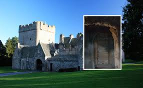 8 famous landmarks with amazing secret rooms and passages