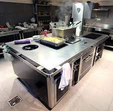 charvet cuisine piano de marque charvet avec wok 6 feux a induction une planche 1