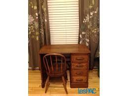bureau de travail à vendre bureau travail a vendre bureau de travail avec huche et chaise