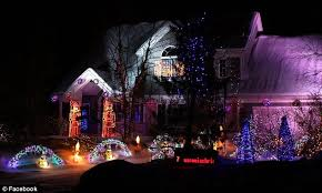 House Decorated Christmas Lights Music by Wisconsin Man Bob Zajac Pulls U0027extreme U0027 Christmas House