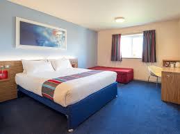 Sofa King Doncaster by Travelodge London Feltham Hotel London Feltham Hotels