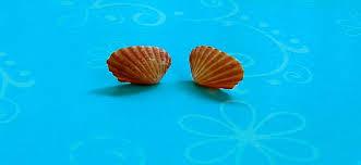 non metal earrings vintage seashell hypoallergenic non metal by vintageunderthesun