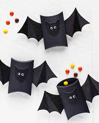 you can make these batty halloween treat boxes in 5 minutes