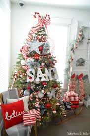 christmas tree decorations to make at home 18 creative christmas tree decorating ideas style motivation