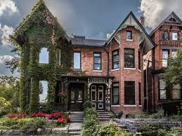2 5 million for one of cabbagetowns few 2 2 million for a cabbagetown house that belongs to toronto
