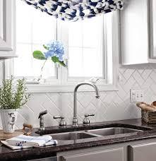 How To Do Backsplash In Kitchen Best 25 Kitchen Backsplash Inspiration Ideas On Pinterest Glass