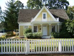 American Small House Living The American Dream With A White Picket Fence