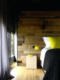 chambre lambris bois couleur jaune pour deco chambre lambris bois rideaux gris dacco