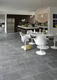 Wohnzimmer Einrichten Dunkler Boden Graue Fliesen Für Wand Und Boden 55 Moderne Wohnideen