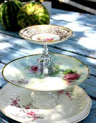 creative ways to upcycle vintage plates as decor