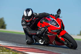 honda sports bikes 600cc 2017 superbike spec chart shootout