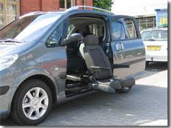siège de handicapé equipement automobile pour personnes à mobilité réduite
