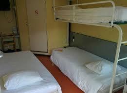 chambre hotel premiere classe chambre 3 lits simples photo de premiere classe brest gouesnou