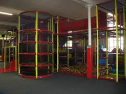 salle de jeux adulte aire de jeux intérieur