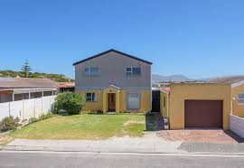 6 Bedroom House by 6 Bedroom House For Sale In Strandfontein Propertyfox