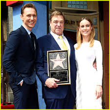 tom hiddleston u0026 brie larson support u0027kong u0027 co star john goodman