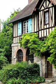 Tudor Style Houses by 492 Best Tudor Style Architecture And Details Images On Pinterest