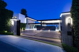 Modern Contemporary Homes by A Luxurious Contemporary Home Goes For Sale In Bel Air