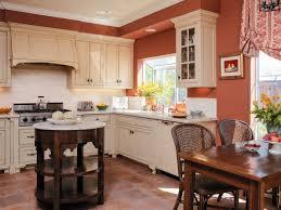 repeindre les murs de sa cuisine repeindre sa cuisine en bois avant une cuisine secondaire un peu