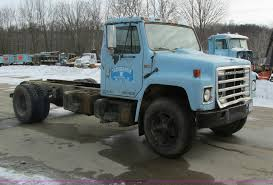 1984 international s1600 truck cab and chassis item i4199