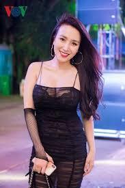 C A Si Dj Thanh Thảo Vợ Ca Sĩ Khắc Việt Quyến Rũ Với đầm Hai Dây Xuyên Thấu
