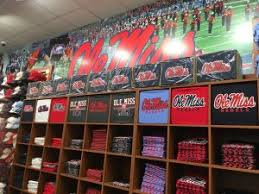 Barnes And Noble Jackson Ms Ole Miss Barnes U0026 Noble Now Open At The Jackson Avenue Center 20