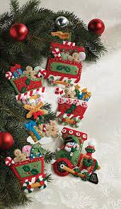 express bucilla felt ornament kit 6 pieces