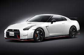 Nissan Nismo Gtr 0 60 The Maniacal Monster Of The Roads The 2015 Nissan Gt R Nismo
