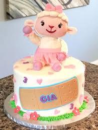 doc mcstuffins birthday cake doc mcstuffins birthday cakes best 25 doc mcstuffins birthday cake