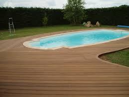 plage de piscine de piscine en ipe