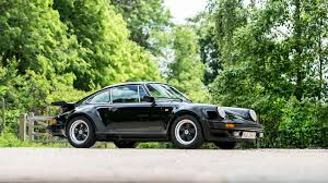 the motoring world goodwood bentley stars and supercars at the 2017 goodwood fos sale motoring research