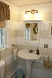Bathroom Picture Ideas by Best 20 Striped Bathroom Walls Ideas On Pinterest Stripe Walls