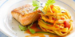 recette de cuisine saumon pavé de saumon grillé et tagliatelles facile recette sur cuisine