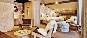 hotel luxe dans la chambre on va tout shuss à l hôtel altapura de val thorens voyage pulse