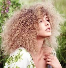 Frisuren Lange Haare Locken 2015 by Locken Frisuren Vorschläge Für 2017 Trend Haare Frauenfrisuren
