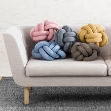 coussins originaux canapé photo canapé gris clair avec coussins originaux photos de canapes