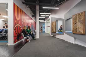 inside linkedin u0027s modern omaha office officelovin u0027