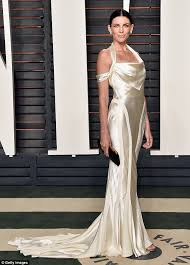 recycled wedding dresses liberty ross recycles wedding gown at vanity fair oscars